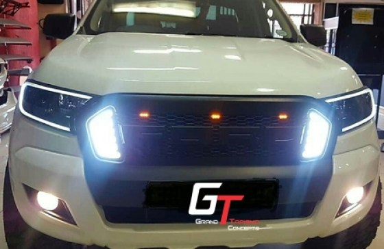 MUSTANG GRILL DRL